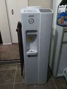 Excellent condition Water Dispenser