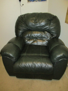 Dark Green Recliner Chair For Sale!