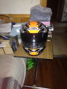GMaxx Snowmobile/Motorcycle helmet