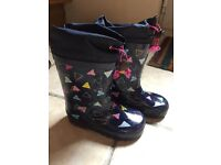 Wellie boots - size 9 - worn once!