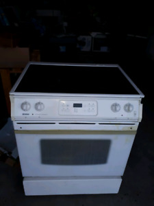 Flat top Kenmore stove with oven for sale