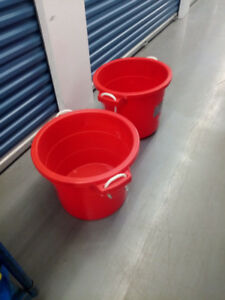 STORAGE TUB WITH HANDLE - RED!!!!!!