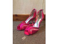 Brand New Roland Fuschia Size 6 Shoes