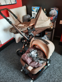 *REDUCED* Travel system with isofix