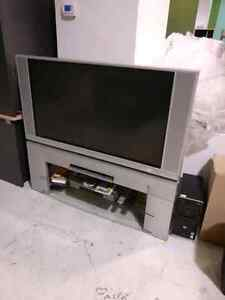 """50"""" Hitachi Ultravision digital TV and stand SRS BBE"""