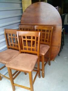 Solid Wood Counter/Bar Height Table WIth 4 Chairs