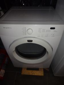 Frgidaire compact Dryer
