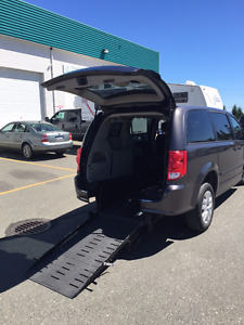 2015 Dodge Grand Caravan Sidewinder Wheelchair Van