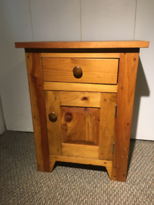 Wood Cabinet in Excellent Condition