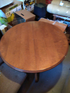 Solid wood table, extendable