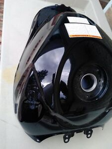 SUZUKI GSXR1000 BLACK GAS/FUEL TANK CLEAN INSIDE Windsor Region Ontario image 9