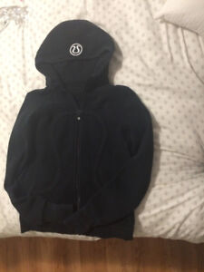 Size 6 Black Lululemon Scuba Hoodie Excellent Condition $40