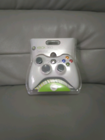 Official Microsoft Xbox 360 Wired Controller White (Brand New Sealed)