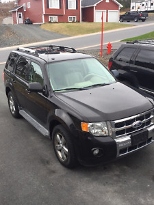 2010 Ford Escape Limited - AWD SUV, Crossover