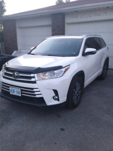 2017 Toyota Highlander XLE  Only 4,000 kms