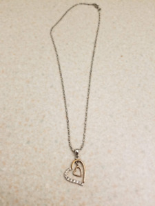 18k Gold Heart Necklace (never worn)