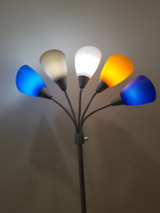 5-LIGHT TREE FLOOR LAMP WITH FREE BULB FOR SALE FOR $65