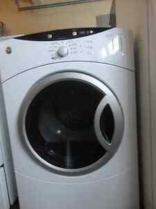 GE White Dryer in Very Good Condition