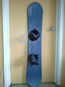 Planche à neige pour enfant 130 cm en parfaite état, très propre