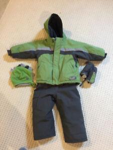 Size 4t complete winter snowsuit