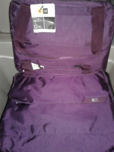 """Case Logic 14"""" Laptop 15"""" Ipad And 10""""Tablet Carry Bags"""