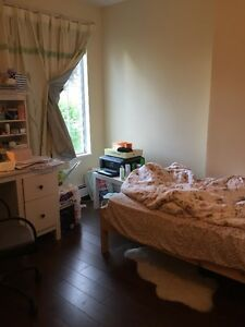 one  large room in Vancouver, easy to UBC and Downtn,Richmd, Bur
