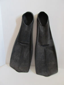 Adult flippers, size 11