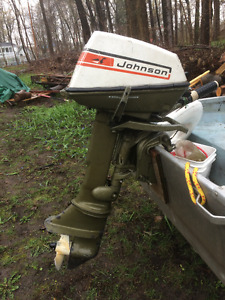 Hors-bord 6 forces/ 6hp outboard motor