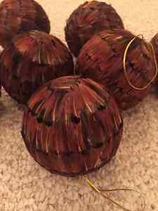 Feather Holiday ornaments, $1.50 each (30 in total available) Edmonton Edmonton Area image 1
