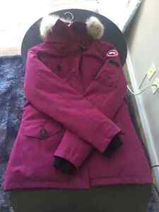 Canada Goose chilliwack parka sale discounts - Coat | Buy or Sell Women's Tops, Outerwear in Edmonton | Kijiji ...