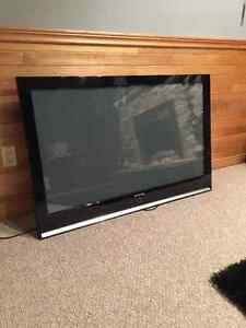 52' SAMSUNG LED TV *READ AD*