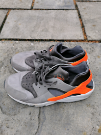Men's Air Huarache by Nike size 10