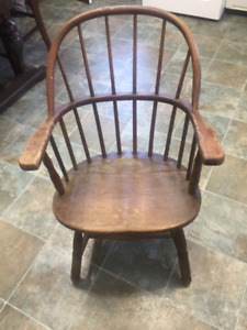 Antique Sack Back Windsor Chair