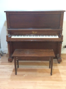 Piano-Upright Morris -free (simply pick-up)