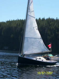 Family Sail Boat Cruiser
