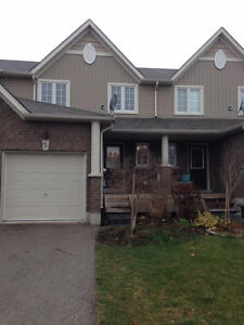3 Bedroom Town Home in Desirable Alliston Location