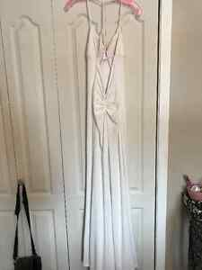 WHITE BACKLESS PROM DRESS Peterborough Peterborough Area image 4