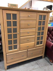 Maple dresser and end table