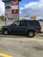 2000 Ford Explorer xls must sell!!!!!