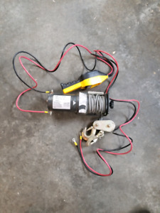 2000 lb winch with controller and snatch block