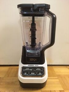 Brand New Ninja Professional Blender 1000w