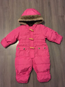Baby / toddler girl snow suits / winter suits / warm outerwear Gatineau Ottawa / Gatineau Area image 2