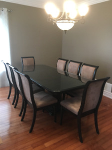 Moving - 8 person Dining Room Set - Must Go