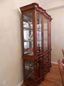 Beautiful Buffet-Hutch/Display cabinet