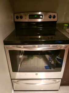 Stainless Steel GE Electric stove - PRICE REDUCED