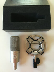 Audio-Technica AT 4047/SV with Shockmount