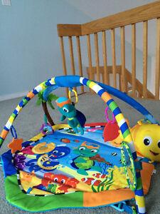 Play Gym Baby Einstein-Rhythm of the Reef West Island Greater Montréal image 4
