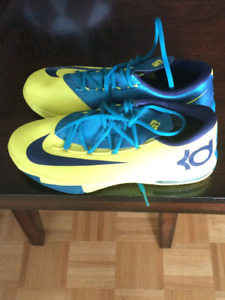 Yellow and Green KDs Sz.6.5