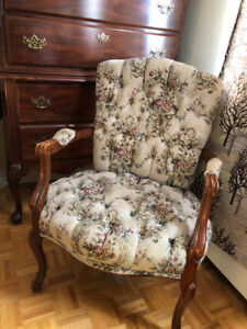 French Provincial style vintage open arm chair - GREAT CONDITION