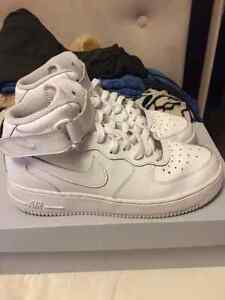 White - Nike Air Force 1 Mid